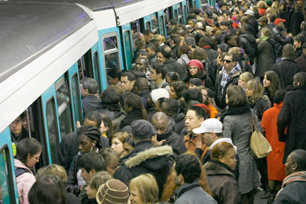 metro-paris-bondé